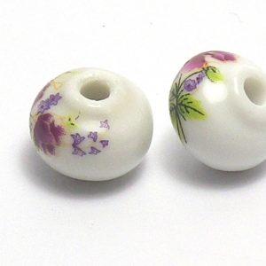 Bolas achatadas blancas con colores