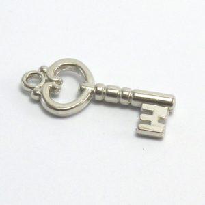 accesorio para pulsera y collar