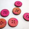 boton de madera rosa