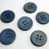 boton de madera azul